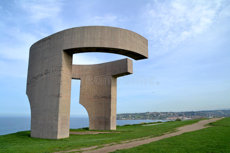 Lofprijzing van de Horizon, openbaar monument in Gijon, Asturias, Spanje stock afbeeldingen
