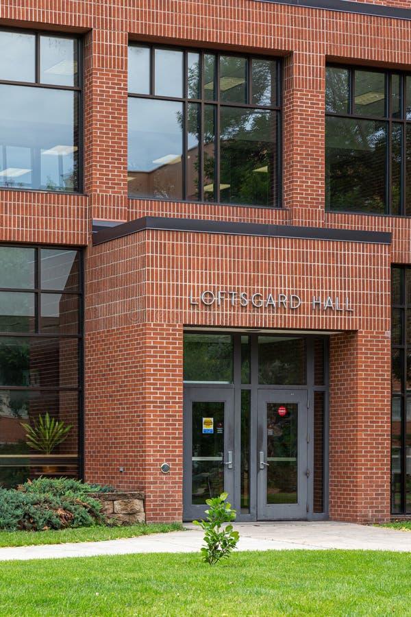 Loftsgard Hall på den North Dakota delstatsuniversitetet royaltyfri fotografi