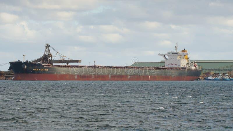 Logística comercial global, carguero de graneles fotos de archivo