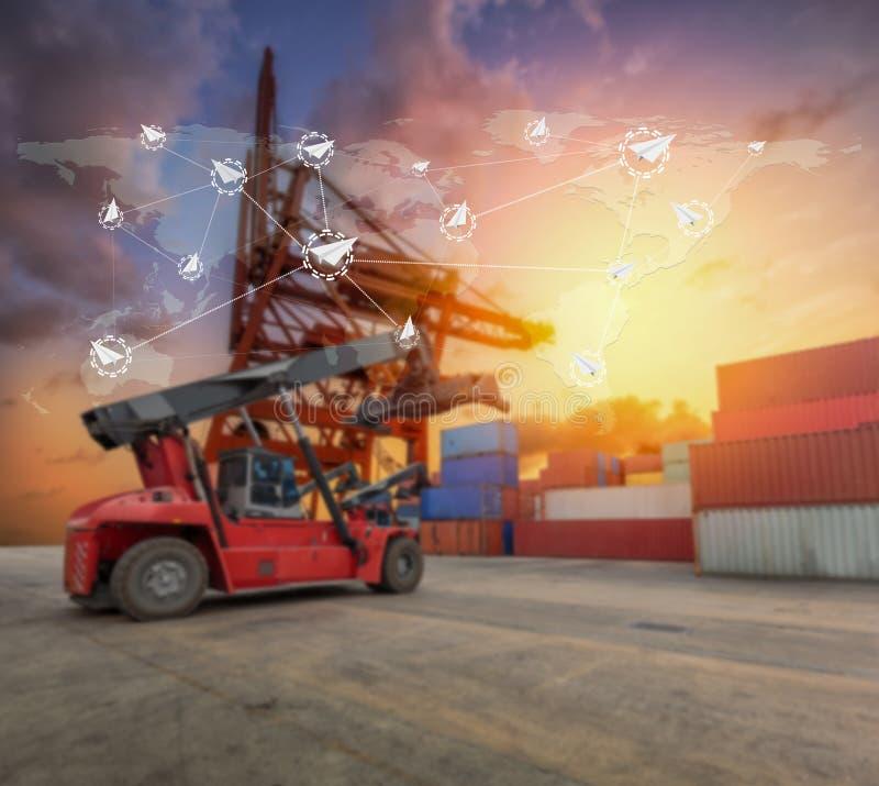 Logística global social para o conceito do transporte rápido ou imediato fotografia de stock royalty free