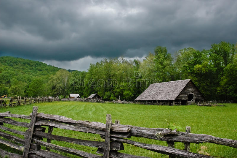 Download Log cabin stock photo. Image of cabin, home, siding, fence - 11728346