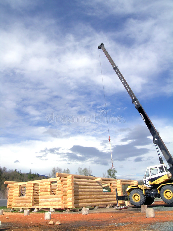 Download Log Cabin Crane Royalty Free Stock Images - Image: 643379