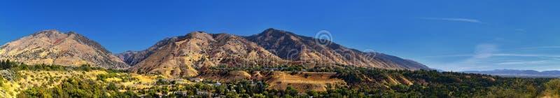 Logan Valley landskapsikter inklusive den Wellsville berg, Nibley, Hyrum, försyn och högskolan avvärjer städer, hem av den Utah s royaltyfria bilder