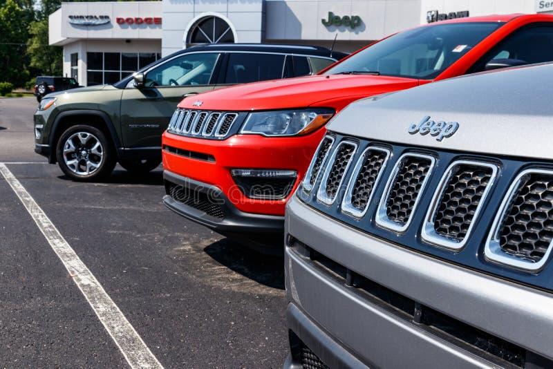 Logansport - circa junio de 2018: Jeep Wrangler en la exhibición en una representación VIII del jeep de Chrysler fotos de archivo