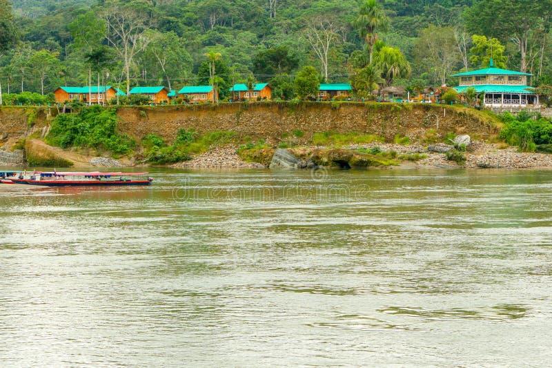 Loge amazonienne en Equateur photos stock
