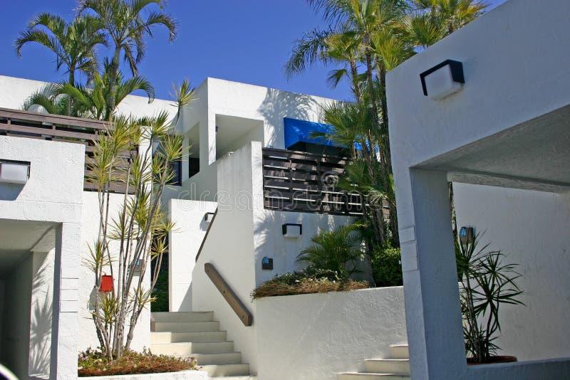 Logement dans le numéro 2 de tropiques images stock