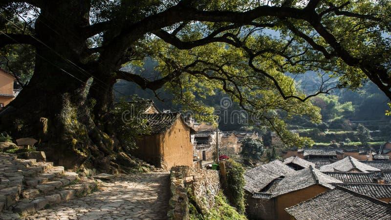 Logements villagesAncient de montagne de la Chine Zhejiang dans les montagnes de Zhejiang, Chine image libre de droits