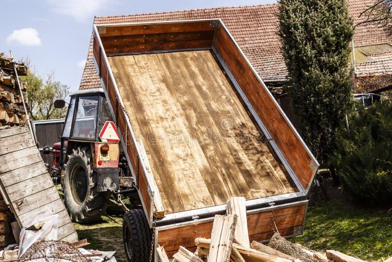 loggad traktor royaltyfria bilder