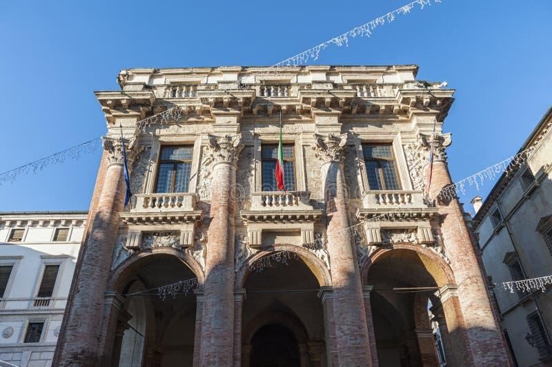 Loggia del Capitanato som planläggs av Andrea Palladio och en UNESCOvärldsarv - Vicenza, Italien royaltyfri bild