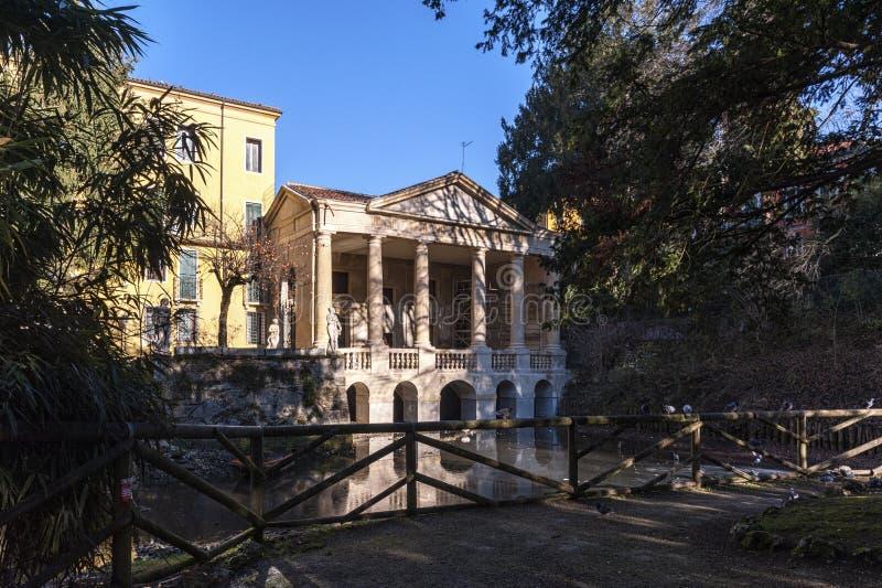 A loggia Valmarana, incluiu desde 1994 com os outros monumentos de Palladian na lista de locais do patrimônio mundial - Vicenza d fotografia de stock royalty free
