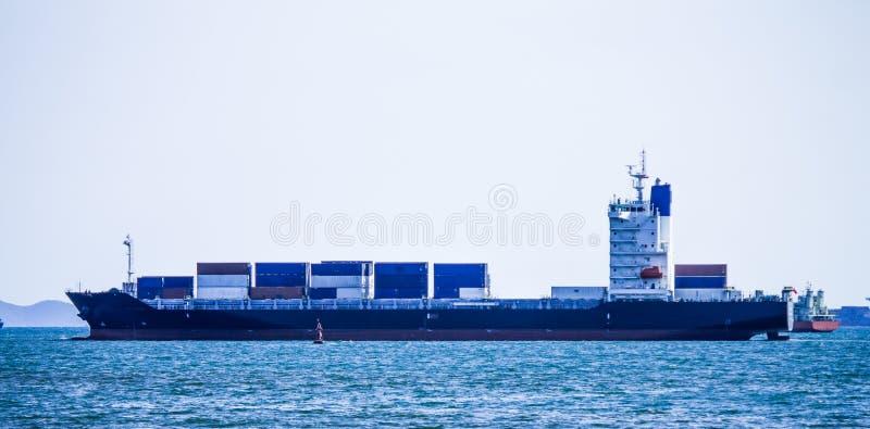 Logistique et transport de bateau de fret de cargaison images stock