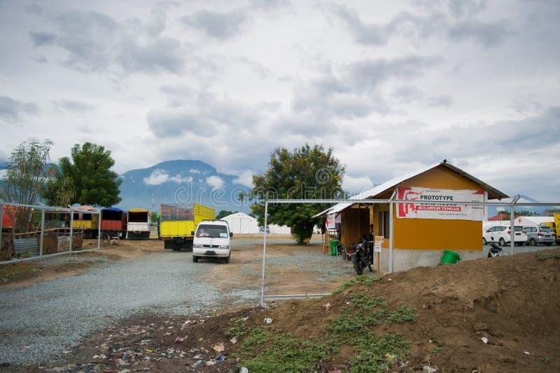 Logistisk grund för indonesiskt Röda korset i Palu For Earth Quake, tsunami och smältningkatastrof arkivbilder