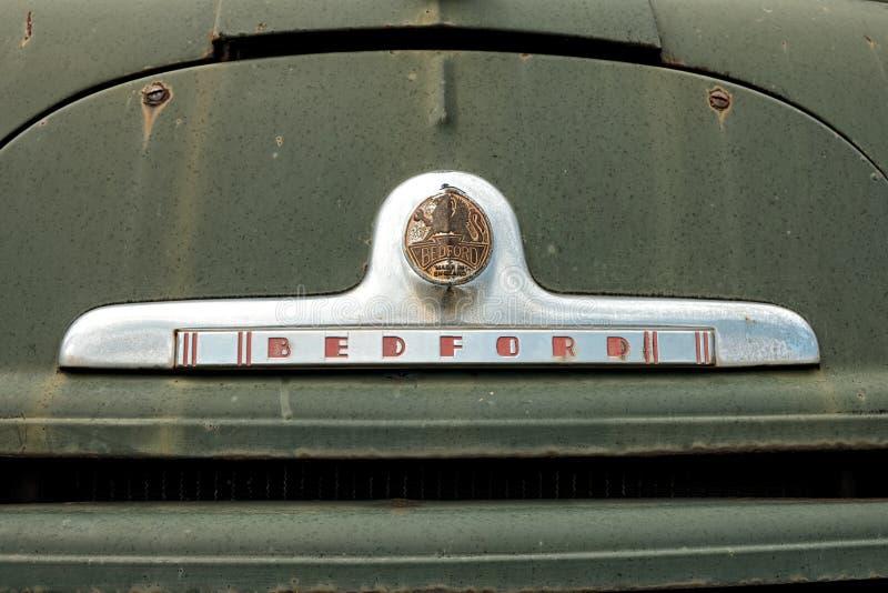 Logo «BEDFORD «Na Starym Zielonym samochodzie strażackim, Montenegro fotografia stock