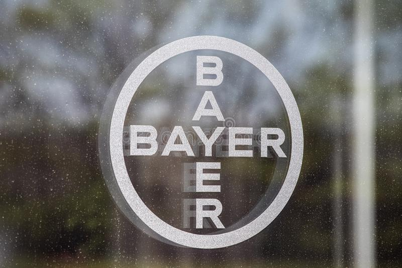 Logo Bayers AG Nachdem der Erwerb von Monsanto, Bayer für seine Glyphosatprozesse II verantwortlich ist stockbild