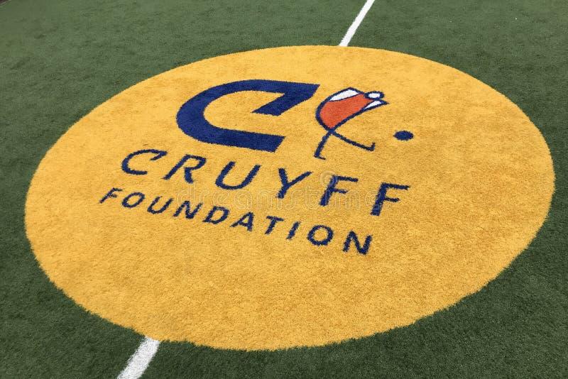 Logo central de cour de Johan Cruyff Foundation photographie stock