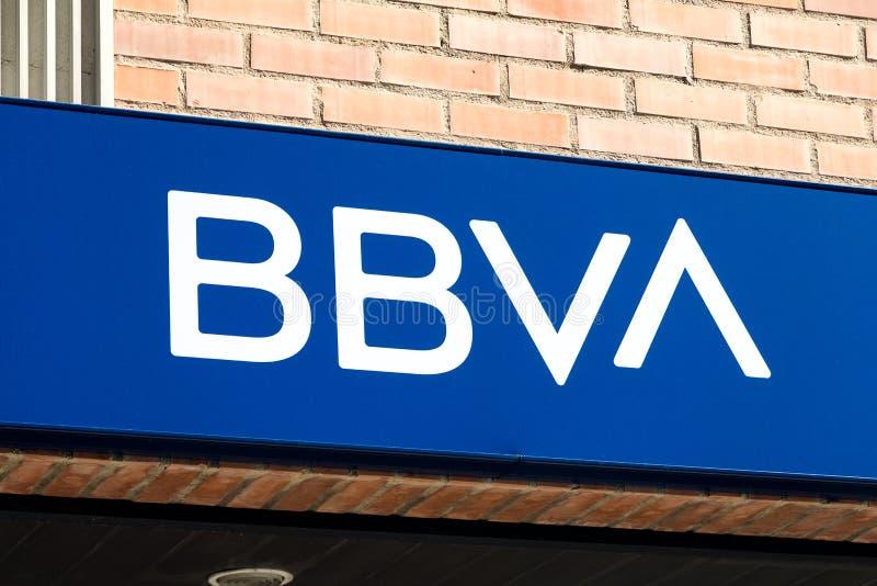 Logo de BBVA sur le bureau de succursale bancaire de BBVA photographie stock