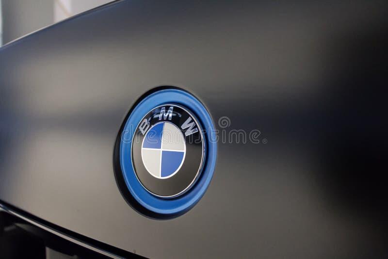 Logo de BMW sur la voiture du ` s de BMW photos libres de droits