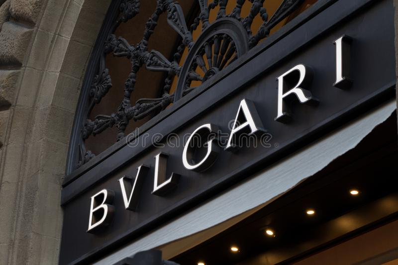 Logo de Bulgari sur le magasin de Bulgari photos stock