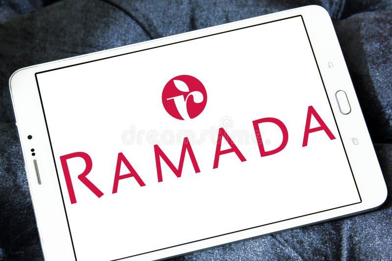 Logo de chaîne d'hôtel de Ramada photos stock
