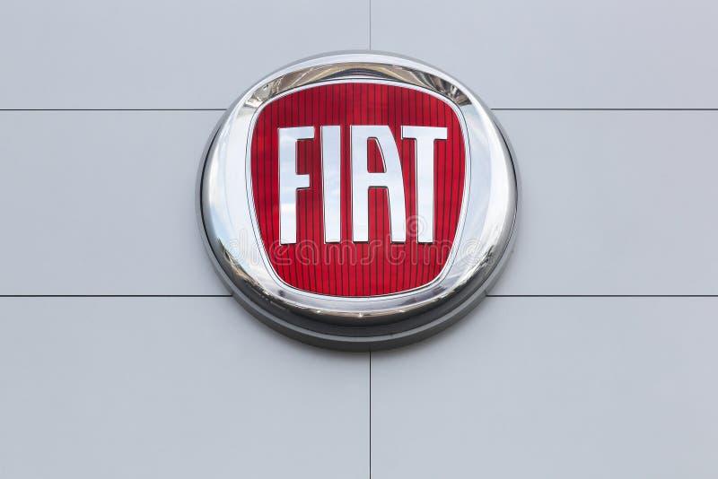 Logo de Fiat en una pared foto de archivo