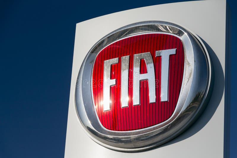 Logo de Fiat sur le détaillant de Fiat photos libres de droits
