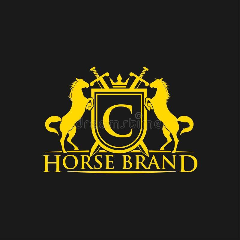 Logo de la lettre initiale C Vecteur de conception de logo de marque de cheval Rétro crête d'or avec le bouclier et les chevaux C illustration libre de droits
