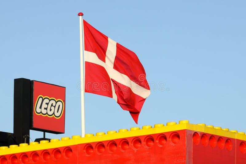Logo de Lego sur un bâtiment photos stock
