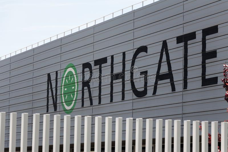 Logo de Northgate sur le bâtiment de Northgate images stock