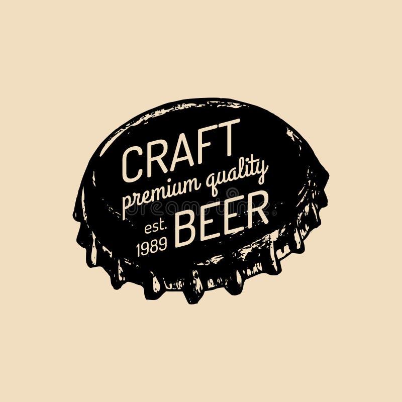 Logo del cappuccio della bottiglia di birra di Kraft Vecchia icona della fabbrica di birra Retro segno della lager La mano ha sch royalty illustrazione gratis