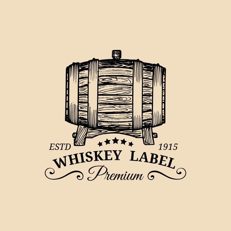 Logo del whiskey Segno di vettore con il barilotto di legno L'etichetta tipografica, distintivo con la mano ha schizzato il baril royalty illustrazione gratis