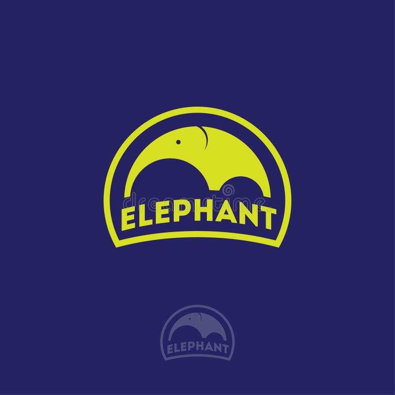 Logo dell'elefante Emblemi dell'elefante Siluetta di un elefante con le lettere in un distintivo su un fondo blu illustrazione di stock