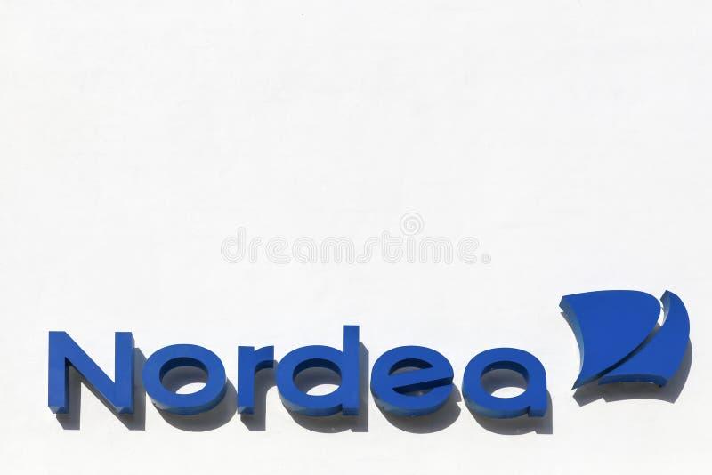 Logo della banca di Nordea su una facciata fotografia stock