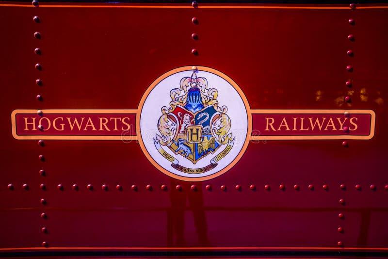Logo delle ferrovie di Hogwarts sul treno immagini stock libere da diritti