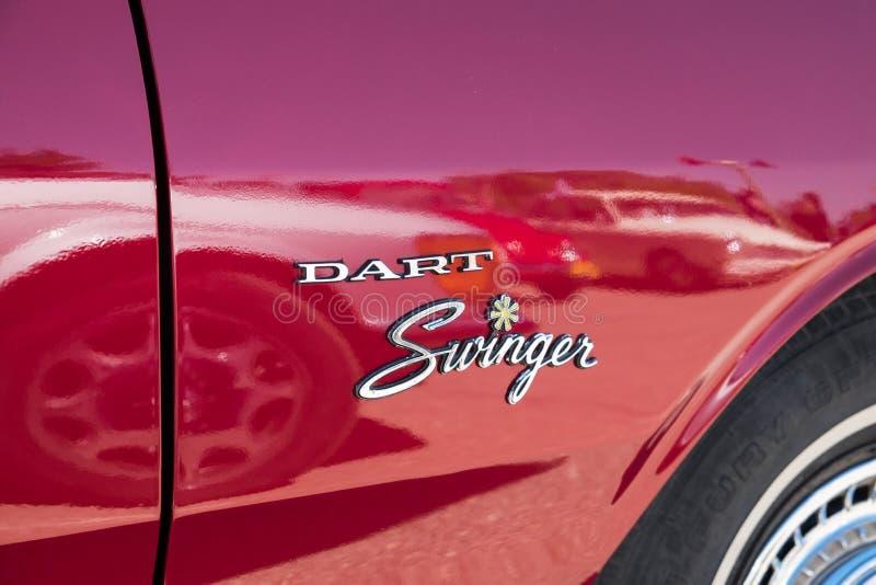Logo der Weinlese Muskel-Auto-Dodge Dart-lebenslustigen Typs lizenzfreies stockfoto