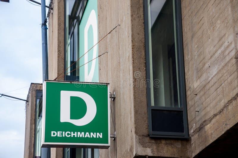 Logo des Haupt-Deichmann-Speichers in Belgrad Deichmann ist ein bedeutender deutscher Schuh und Einzelhandelskette der Sportkleid lizenzfreie stockfotos
