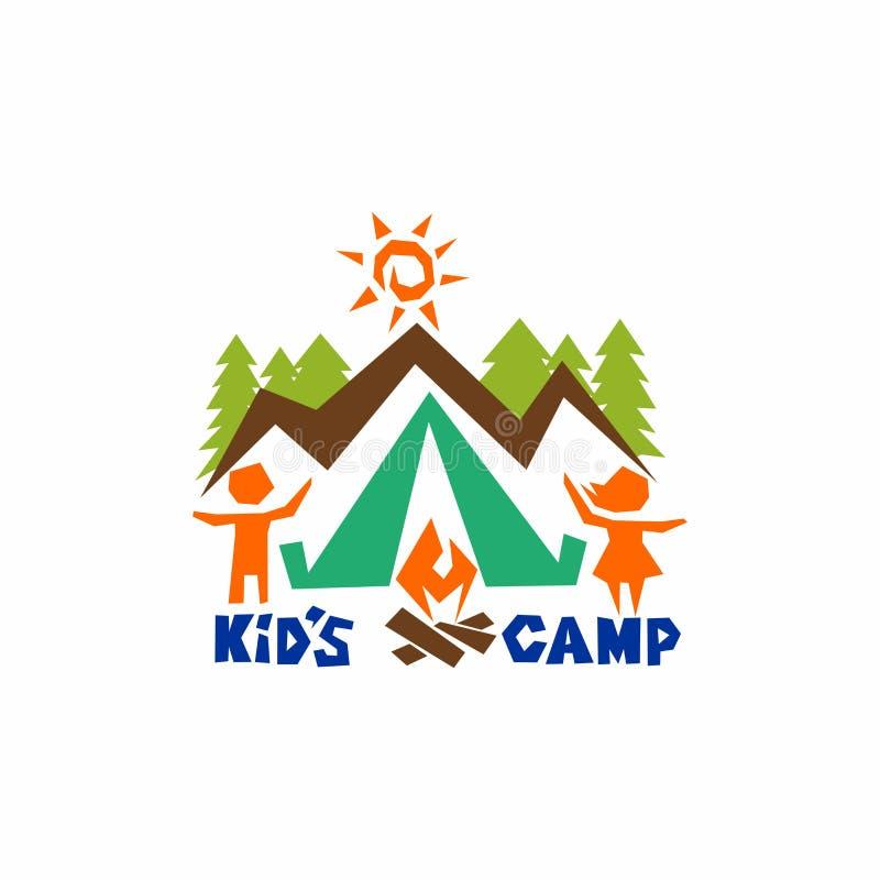 Logo dzieciaka ` s obóz Góry, słońce, namiot i ogień, dzieci ilustracji