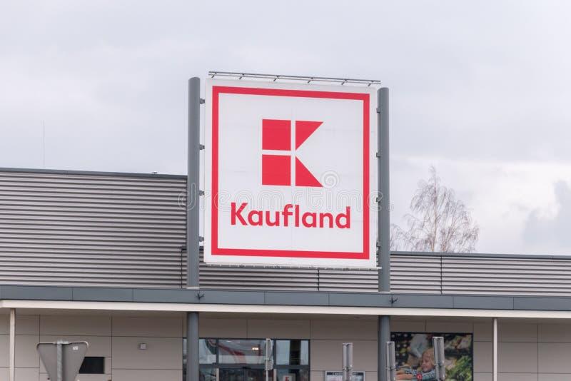 Logo et signe de Kaufland images stock