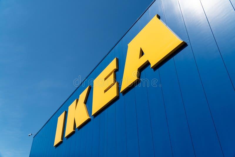 Logo extérieur de magasin d'IKEA photo libre de droits