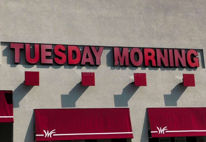 Logo för lager för tisdag morgon och lagerframdel arkivfoton