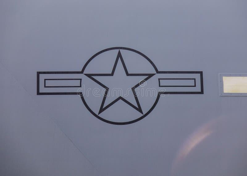 Logo för U.S.A.F. för USA-flygvapen på flygplan arkivbilder