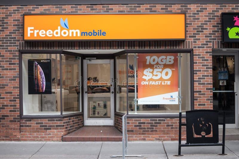 Logo mobile di libertà sul loro negozio principale per Ottawa, centro di Ontario immagini stock