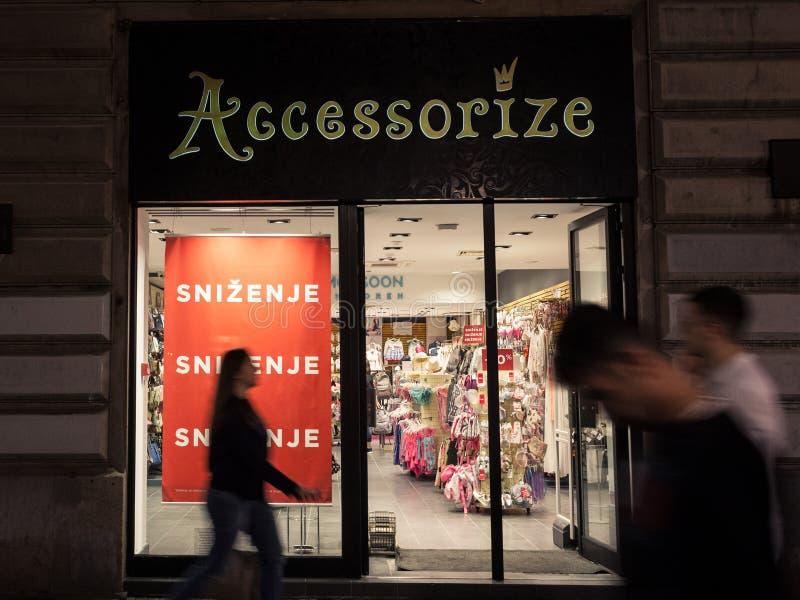 Logo monsun Accessorize na ich magistrali przechuje w Belgrade Monsun Accessorize jest firmą specjalizującym się w detalicznej od fotografia stock