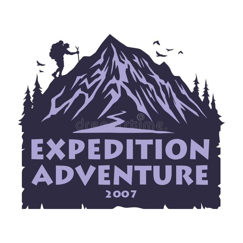Logo per la montagna che si accampa, facente un'escursione Forest Adventure Emblemi e progettazione di vettore dei distintivi illustrazione di stock