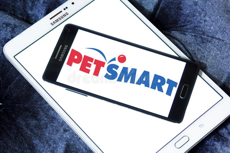 PetSmart retailer logo. Logo of PetSmart on samsung mobile on samsung tablet. PetSmart is an American retail chain operating in the United States, Canada, and stock photos