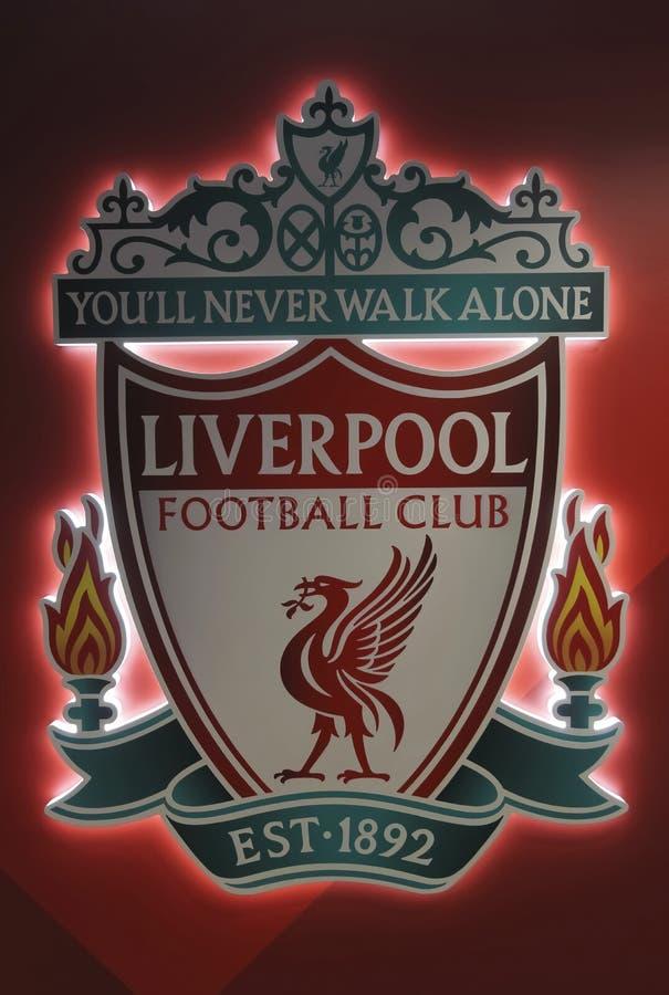 Logo Placard am Anfield-Fußball-Stadion, Liverpool, Merseyside, England, GB, Großbritannien stockfotografie