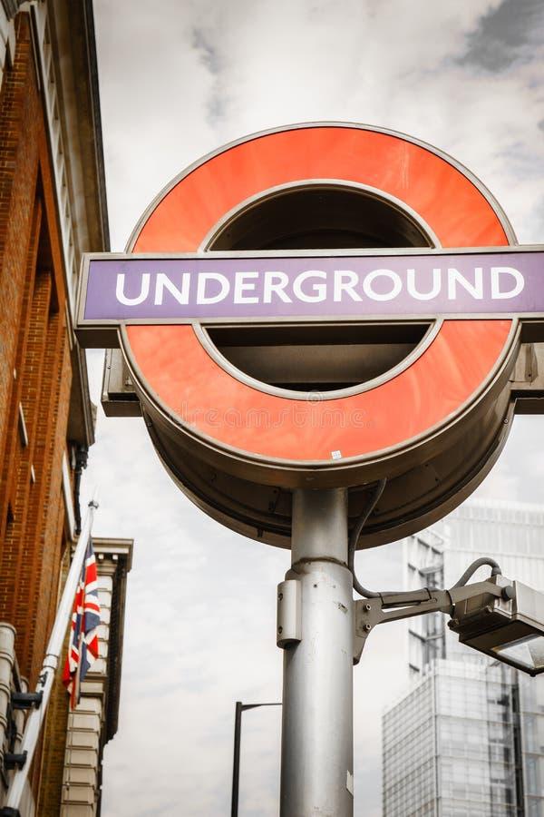 Logo souterrain à Londres photographie stock libre de droits