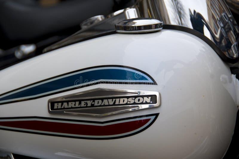Logodetalj på den Harley Davidson motorcykeln royaltyfria foton