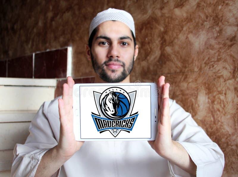 Logotipo americano del equipo de baloncesto de Dallas Mavericks fotografía de archivo