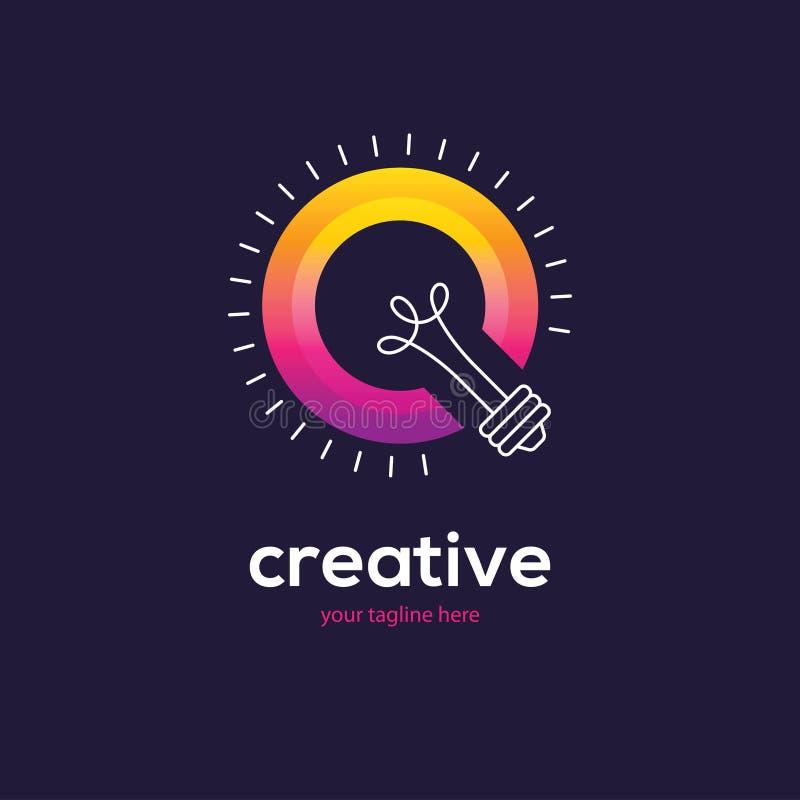 Logotipo colorido brillante de la bombilla libre illustration