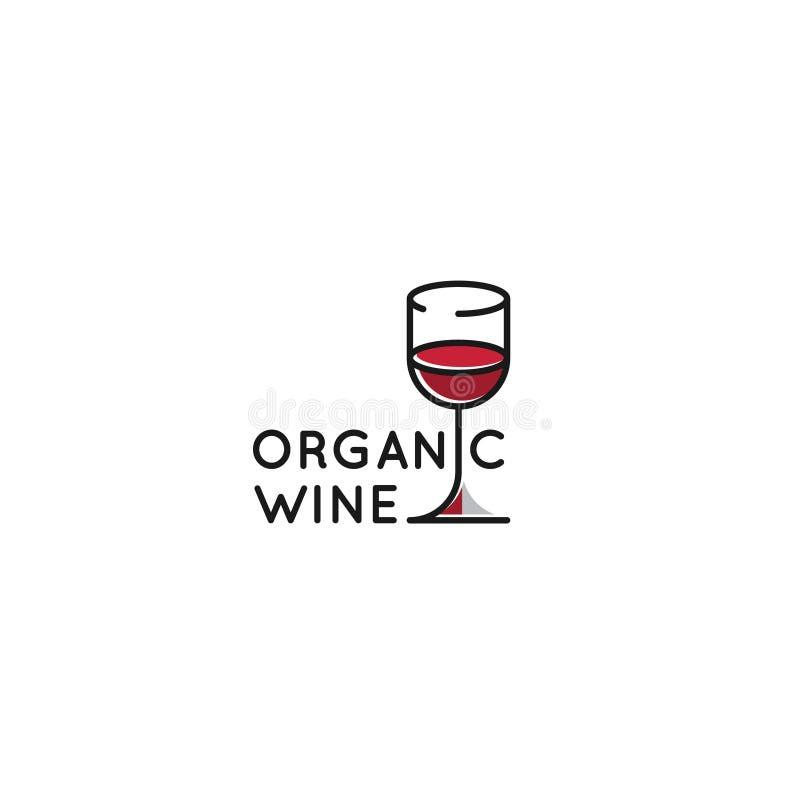 Logotipo da adega ou a barra ou o restaurante de vinho com os três copos de vinho com cor do inclinação ilustração stock